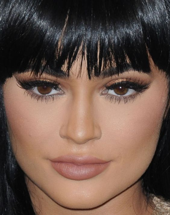 Close-up of Kylie Jenner at the 2015 MTV Video Music Awards. http://beautyeditor.ca/2015/09/04/mtv-video-music-awards-2015