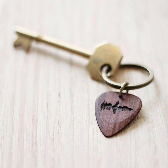 Personalised sound wave guitar pick keyring