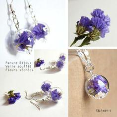 Parure bijoux globe en verre soufflé transparent et fleurs séchées lavande de mer - nature léger