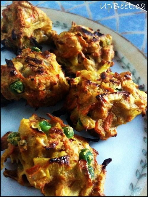 DELICIOUS looking baked pakoras! Serve with yummy and nutritious raita, picklied oniond, and/ or Indian tomato sauce