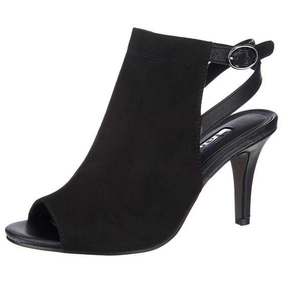 Die Tamaris Heiti Sandaletten sind originelle Vertreter für elegante Looks. Ein dezenter Stretcheinsatz am Verschlussriemen sorgt für ideale Anpassung an den Fuß.