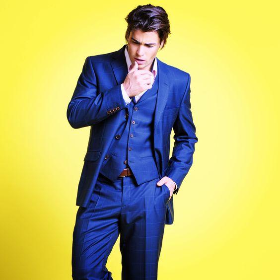 Bachelor 2014 Rafael Beutl live im Emmen Center am 4.3.2015. Er präsentiert die neusten Trends der kommenden Mode-Saison. Quelle: Rafael Beutl: foto by pascal frey und mode gaby-frey