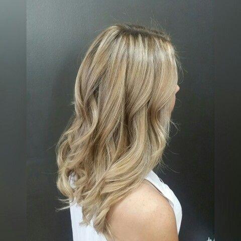 #balayage #hairpainting #uga #athensga #athens #athenshair #athenhairsalon #pageboyathens #pageboysalonathens #athensgeorgia #hairpainting #blonde