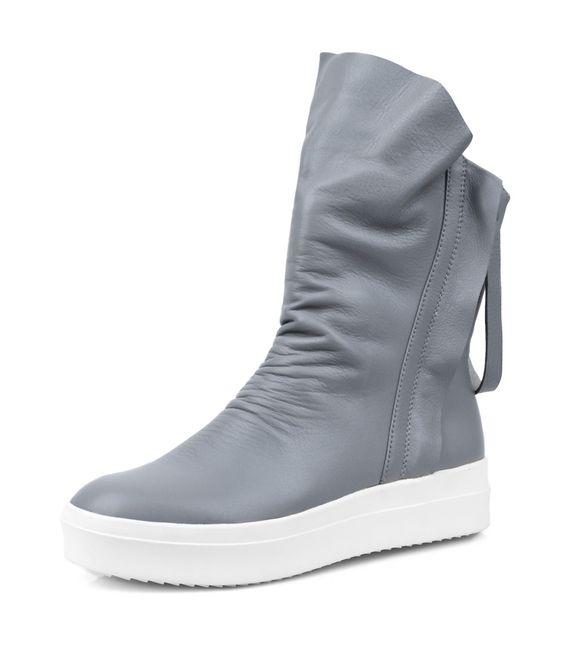 Dizzy Fall Boots