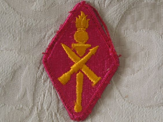 MILITARY SHOULDER PATCH U.S. Army Ordnance Missile & Munitions Training School   http://ajunkeeshoppe.blogspot.com/   Junk_690