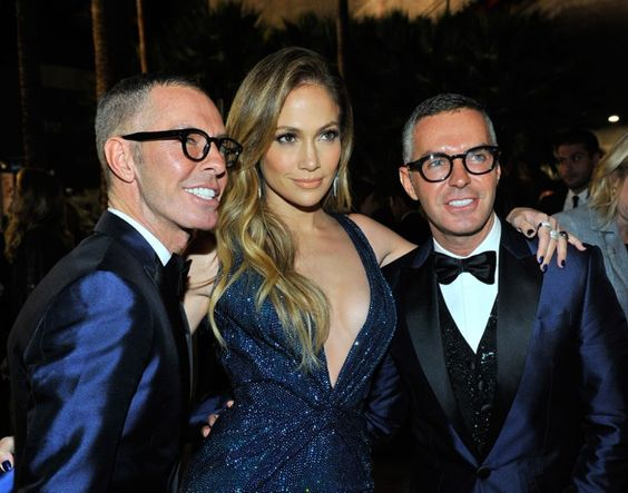 Pin for Later: This Week's Can't-Miss Celebrity Photos  Jennifer Lopez must have had double vision when she posed for a picture with designer duo Dean and Dan Caten of Dsquared2.