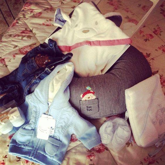 I regali di natale che ha ricevuto il mio bimbo <3. Iscriviti al mio canale: http://www.youtube.com/subscription_center?add_user=tatinastabile #youtube #video #gravidanza #maternità #regali #natale #shopping #shoppingbimbo