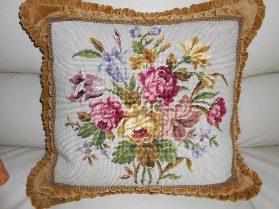 Hochwertiges Gobelin-Kissen, Blumenmotiv, Rückseite: Samt, Maße: ca ...