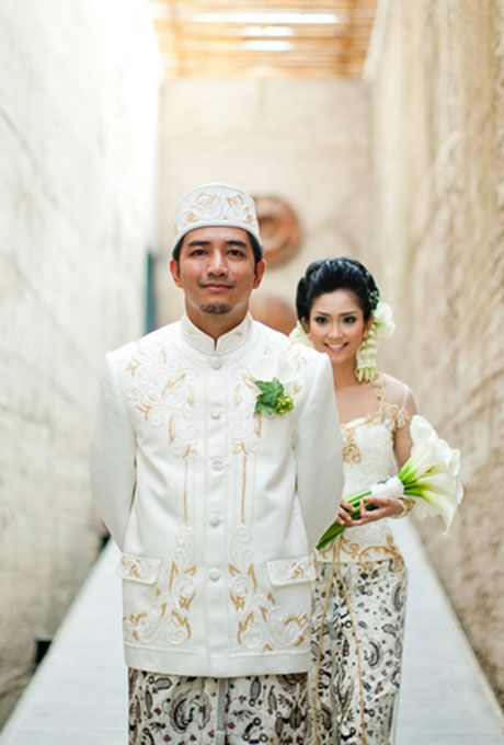Brides.com: . Indonesia: Got to Go? Um, No. Spending the first three days confined to their home together sounds kind of sweet, certainly not a hardship for Indonesian brides and grooms — unless using the bathroom would require leaving the house!