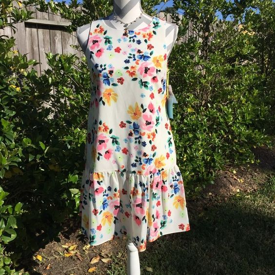 "CeCe by Cynthia Steffe Dress Beautiful floral dress of 100%polyester fully lined & machine washable. Bust measures 17"" across laying flat & is 33"" from shoulder to hem. Mannequin measurements 35 X 25 X 35. Dress would fit 0-2! Ce Ce by Cynthia Steffe Dresses"