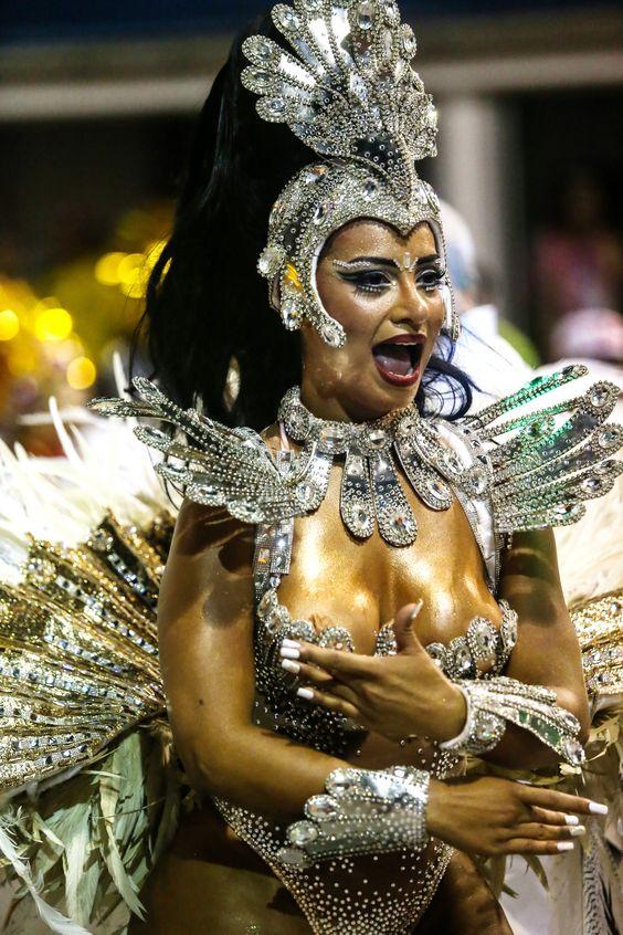 2016 * Escola de Samba Águia de Ouro - São Paulo