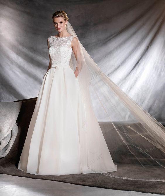 OVEGA - Vestido de noiva clássico silhueta princesa | Pronovias