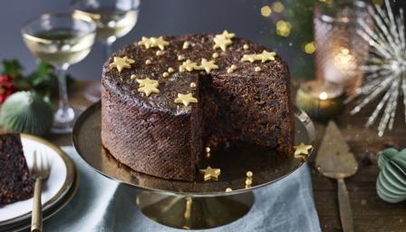 Nigella S Chocolate Fruit Cake Recipe Recipe In 2020 Fruit Cake Chocolate Fruit Cake Fruity Cake