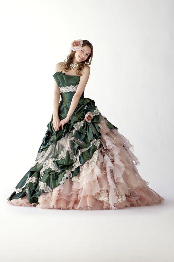 カラードレス|ウェディングドレス、和装ならヴュパリ|ララシャンス