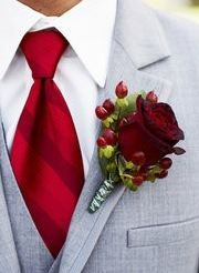 Caso o noivo seja mais clássico: gravata vermelha e lapela (ou boutonniere) de rosa vermelha com sementinhas.  red wedding flower boutonniere, groom boutonniere, groom flowers, add pic source on comment and we will update it. www.myfloweraffair.com can create this beautiful wedding flower look.