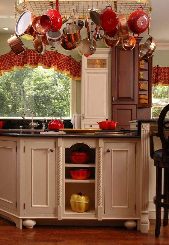 Kitchen cabinet features from Neal's Design Remodel.