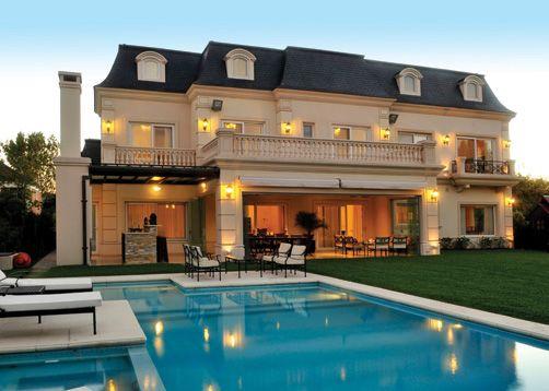 Casa estilo cl sico franc s a place to call home for Casas estilo frances clasico