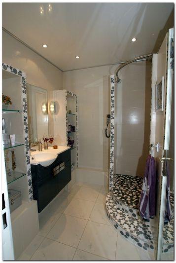 Etag res ma onn es avec etag re en verre douche sans for Etagere douche italienne