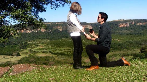 Fotografia tirada na fazenda. Pedido de casamento.