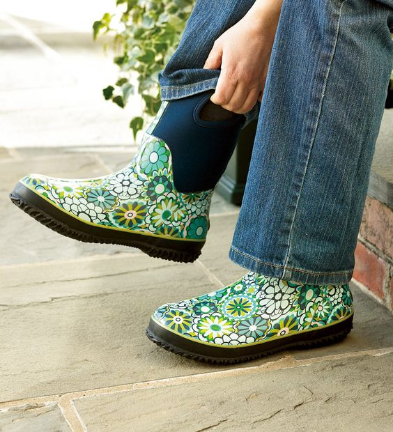 BOGS garden boots. Much cuter than my muck boots lol. | Garden