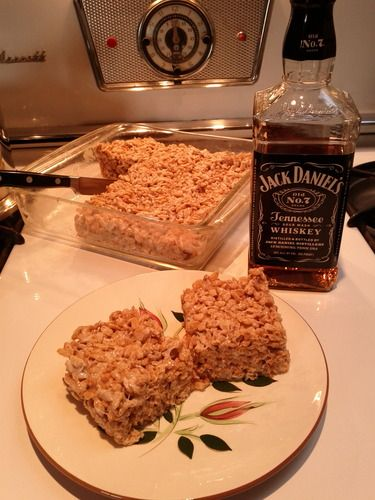 Rice Krispie Treats AND Jack Daniels...all in one pan! BRING. IT. ON!