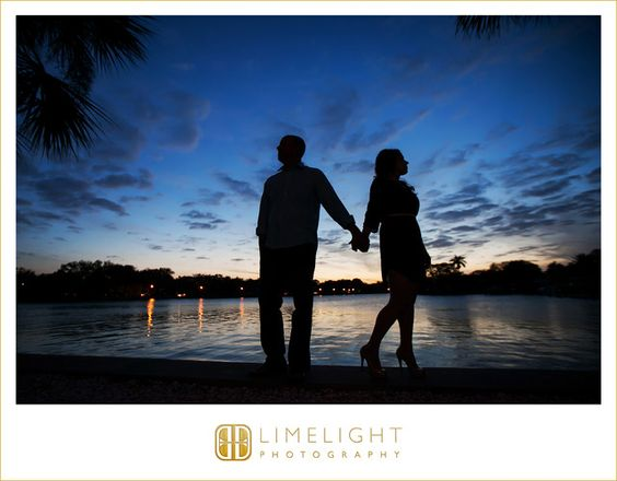 engagement shoot, casual, love, night shoot, limelight photography, www.stepintothelimelight.com