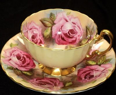 elegant tea cup & saucer: