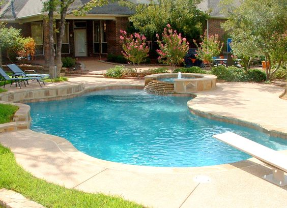 Simple pool with spa and steps sundeck pool design for Simple inground pool designs
