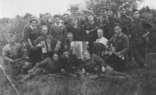 Jewish Partisans in Belorussia (1943)