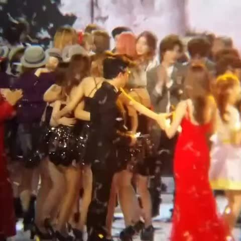 Soshi made a circle after the new year countdown aww :3