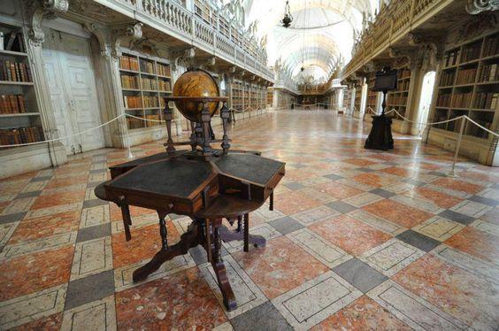 Biblioteca del Convento de Mafra en Lisboa, Portugal