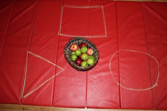 Apple Sorting & Graphing - Teaching Mama