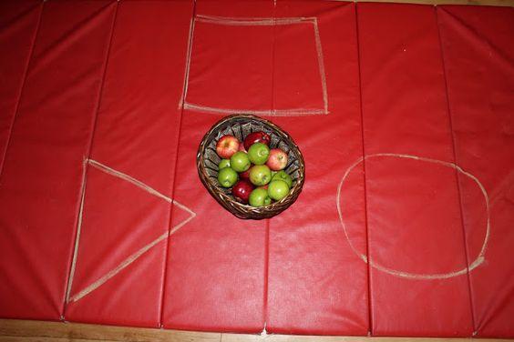 Apple Sorting & Graphing - Teaching Mama