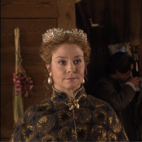 "Catherine de Medici - Reign ""A Chill in the Air"""