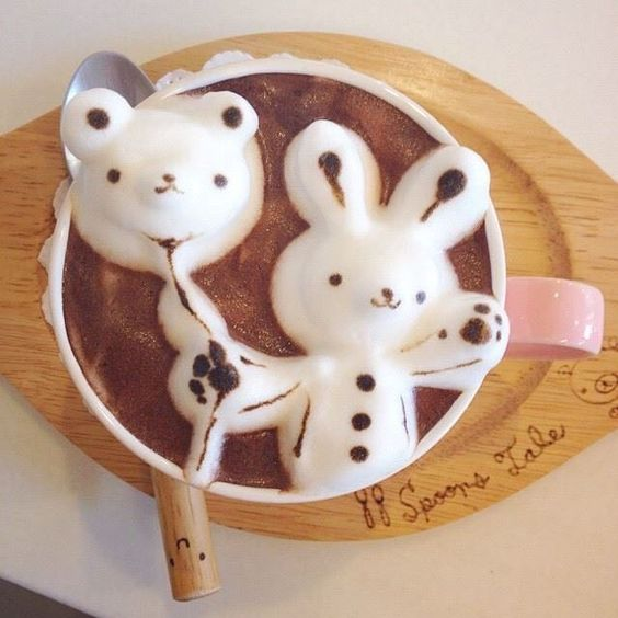 風船を持ったウサギがかわいいラテアートの壁紙