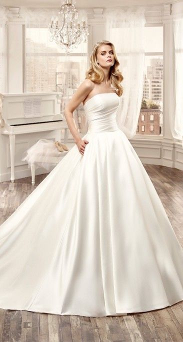 simple but elegant Nicole  wedding dress