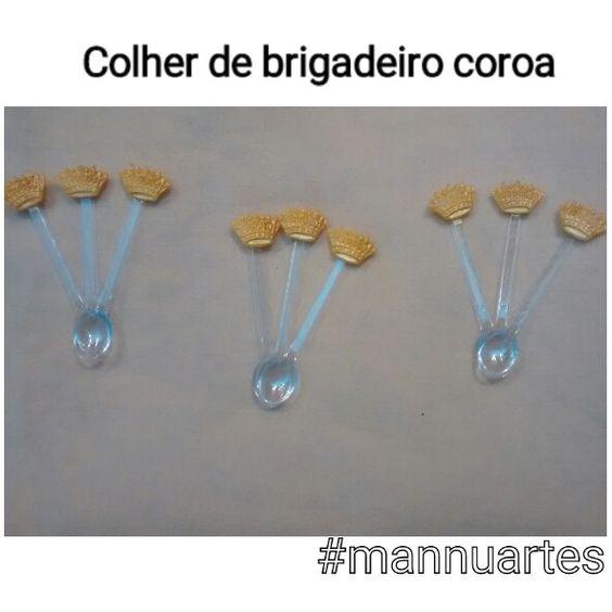 Colher decorada coroa Biscuit  R$0,60 cada para pedido acima de 50 unidades. WhatsApp:(81)99669-0936 Email: biscuitpe1@gmail.com Www.elo7.com.br/mannuartes