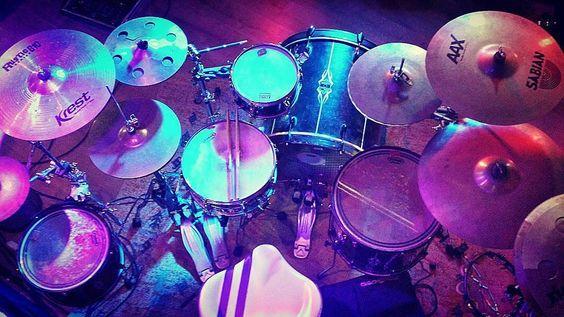 @paulothauan  #drumsview#drums#drumkit#drumset#percussion#drummer#percussionist#musician#drumstick#drum#drumming#drumlife#drumslife#drumporn#drumstagram#cymbals#drumsticks#lovedrums#instaview#art#rhythm#tempo#view#music#drumfam#instadrums#drumsfromabove#drumsetup by drumsview