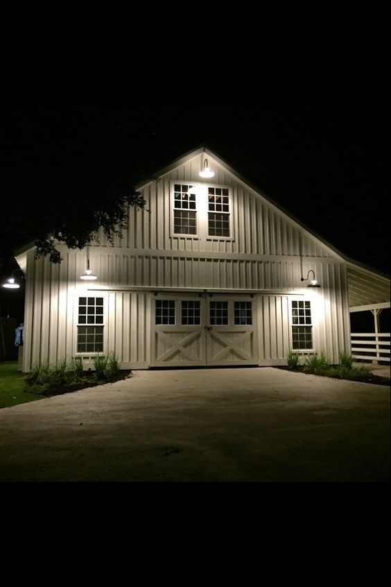 From fixer upper 39 s magnolia farms this has to be the for Magnolia farmhouse