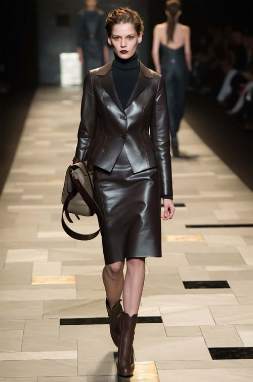 Trussardi Autumn/Winter 2015-2016 Woman Runway: brown ...