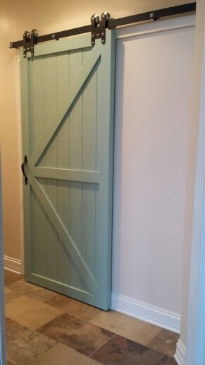 Bedrooms master bedrooms and colors on pinterest for Chalk paint door