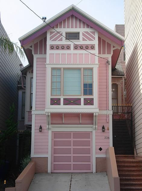 I WANT TO LIVE HERE!!!!!!!!!!: Pretty Purple, Tiny House, Pink House, Lavender House, Purple Passion, Color Purple, Dream Houses, Purple Houses, Purple Home