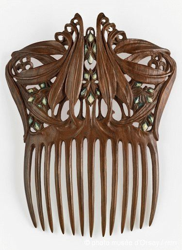 Paul Follot  polychromed wood  between 1905 and 1910  Comb for Hair - Musée d'Orsay, Paris, France