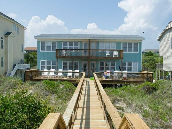 Sealebrity East is a 3 bedroom, pet friendly duplex with great oceanfront views.