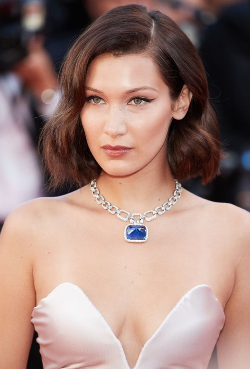 Inspiration Coiffure Bella Hadid Https Flashmode Be Inspiration Coiffure Bella Hadid 4 Coiffures Bella Hadid Hair Red Carpet Beauty Celebrity Jewelry