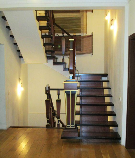 Лестница в стиле Арт-Деко на металлокаркасе