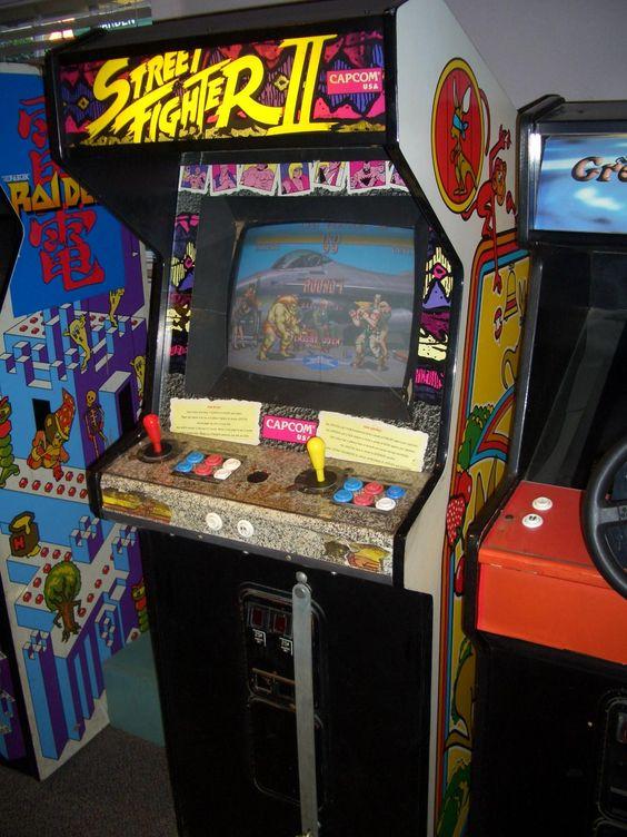 Así se jugaba el Street Fighter!.. Inevitable hacer fila con las monedas de a peso en el cristal..