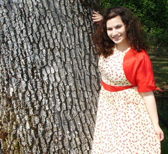 i <3 the shrug and the dress!    Bolero Shrug by p1xie on Etsy, $65.00