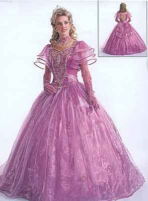 Hideous Wedding Dress - Every 3 yr old's perfect wedding dress!