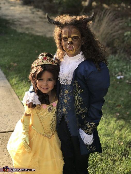 Die Schone und Das Best Halloween Kostum Contest bei Costume Works Com Beauty And The Beast Costume Beast Costume Beauty And The Beast Halloween Costume